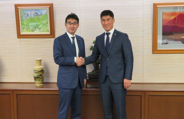 October 24, 2019 Justice Minister Kawai received a courtesy call from the Minister of Foreign Affairs of Kyrgyz